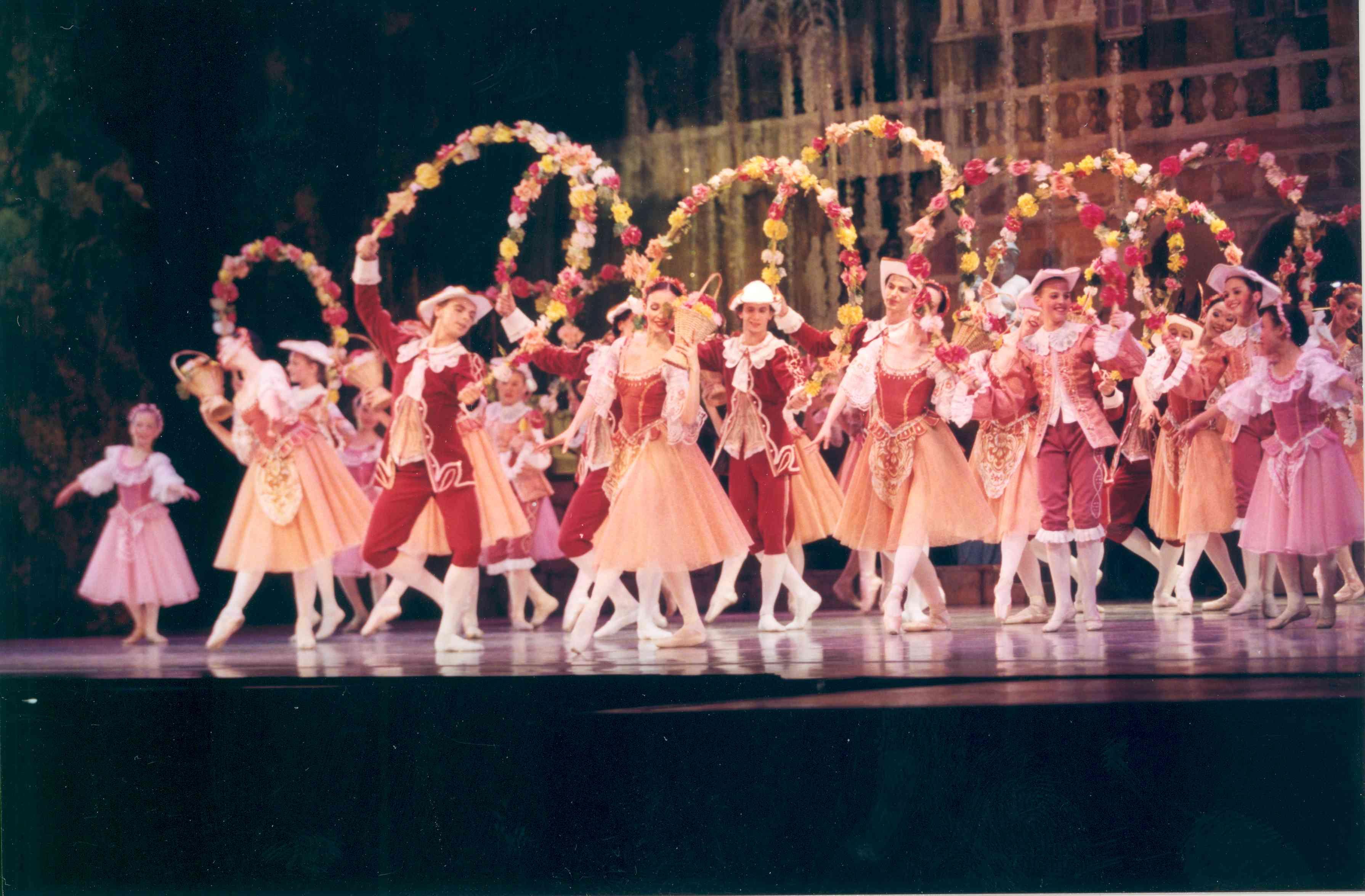Act I Garland Waltz Photo 2