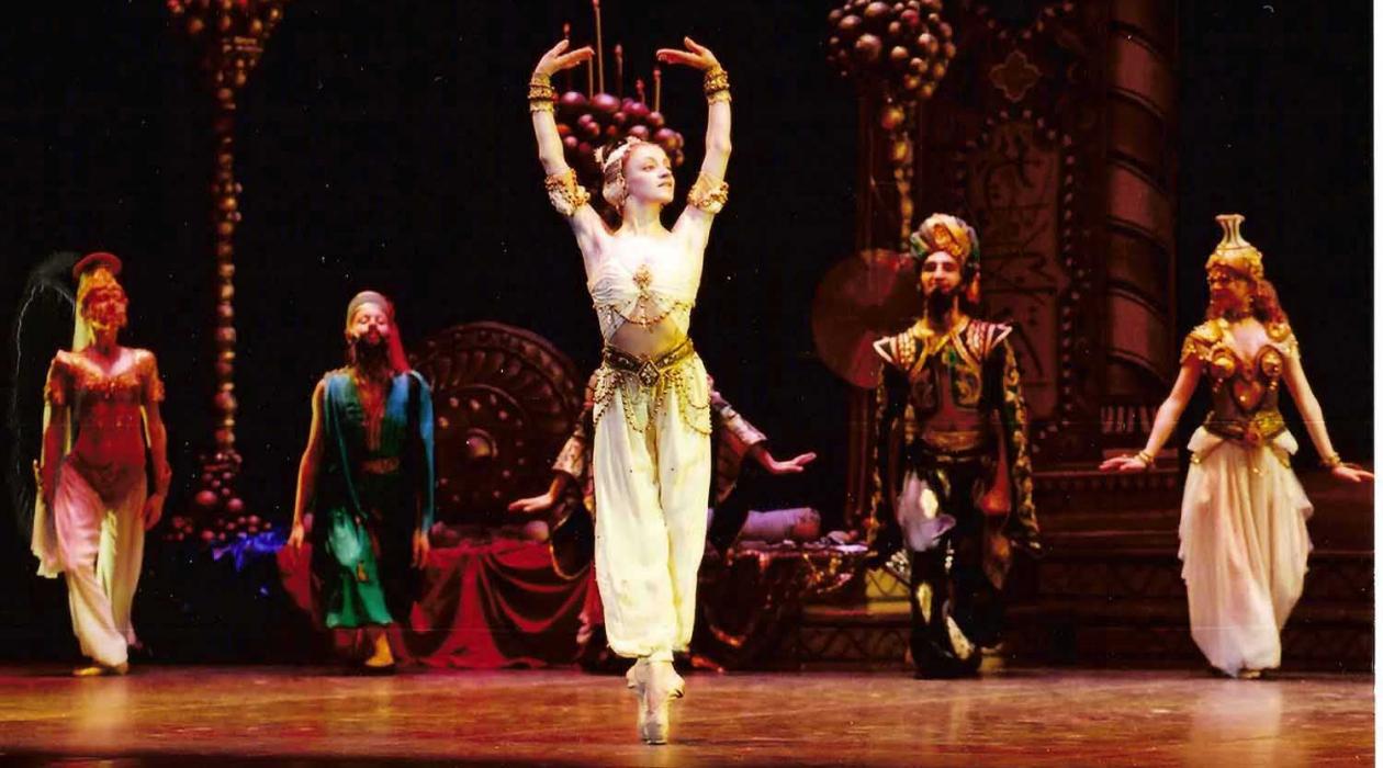 Shekherezade-in-Act-2